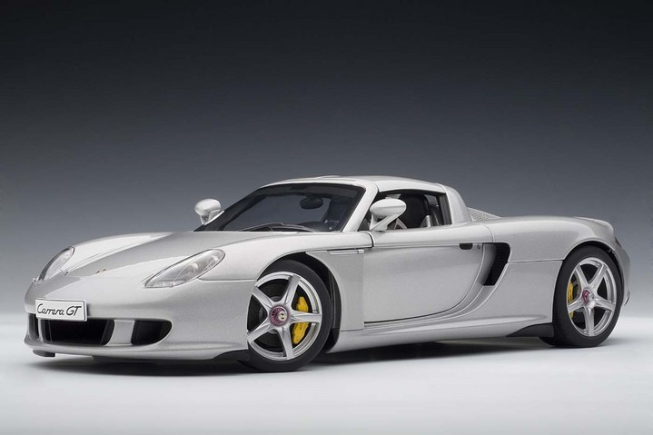 PORSCHE CARRERA GT SILVER WITH BLACK INTERIOR 1:18 AUTOART 78047 NEW RE-RELEASE