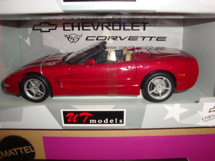 Corvette C5 Convertible Magnetic Red 1/18th Scale by UT Models