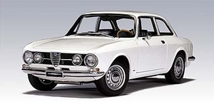 Alfa Romeo 1750 GTV White 1/18 Scale by AUTOart
