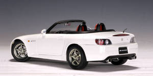 SALE Honda S2000 White 1/18 Scale by AUTOart SALE