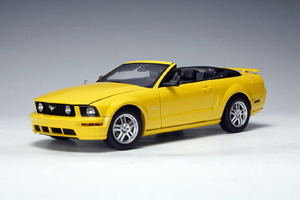 SALE Ford Mustang GT Convertible Yellow 1/18 Scale by AUTOart SALE