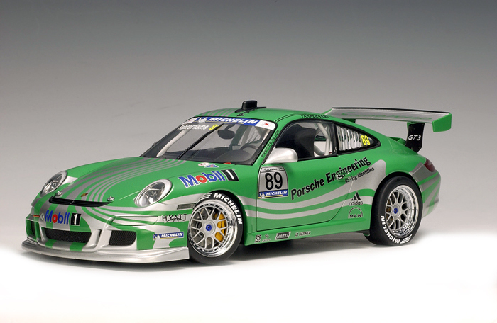 Porsche 911 (997) GT3 RS Racecar 1/18th Scale by AUTOart