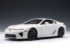 LEXUS LFA Whitest White 1/18 Scale by AUTOart #78831 Hard To Find NEW