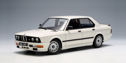 bmw M535i 1985 Alpine White 1:18 by AUTOart VERY RARE