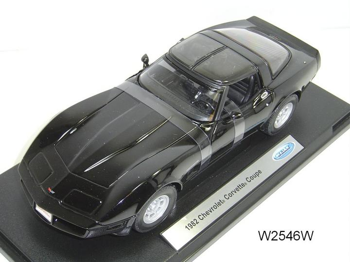 1982 Chevrolet Corvette Coupe 1:18 by WELLY Black