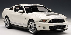 2010 Ford Mustang SHELBY GT500 White with Silver Stripes AUTOart 1:18