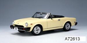 Fiat 124 Spider Cream 1/18 scale by AUTOart