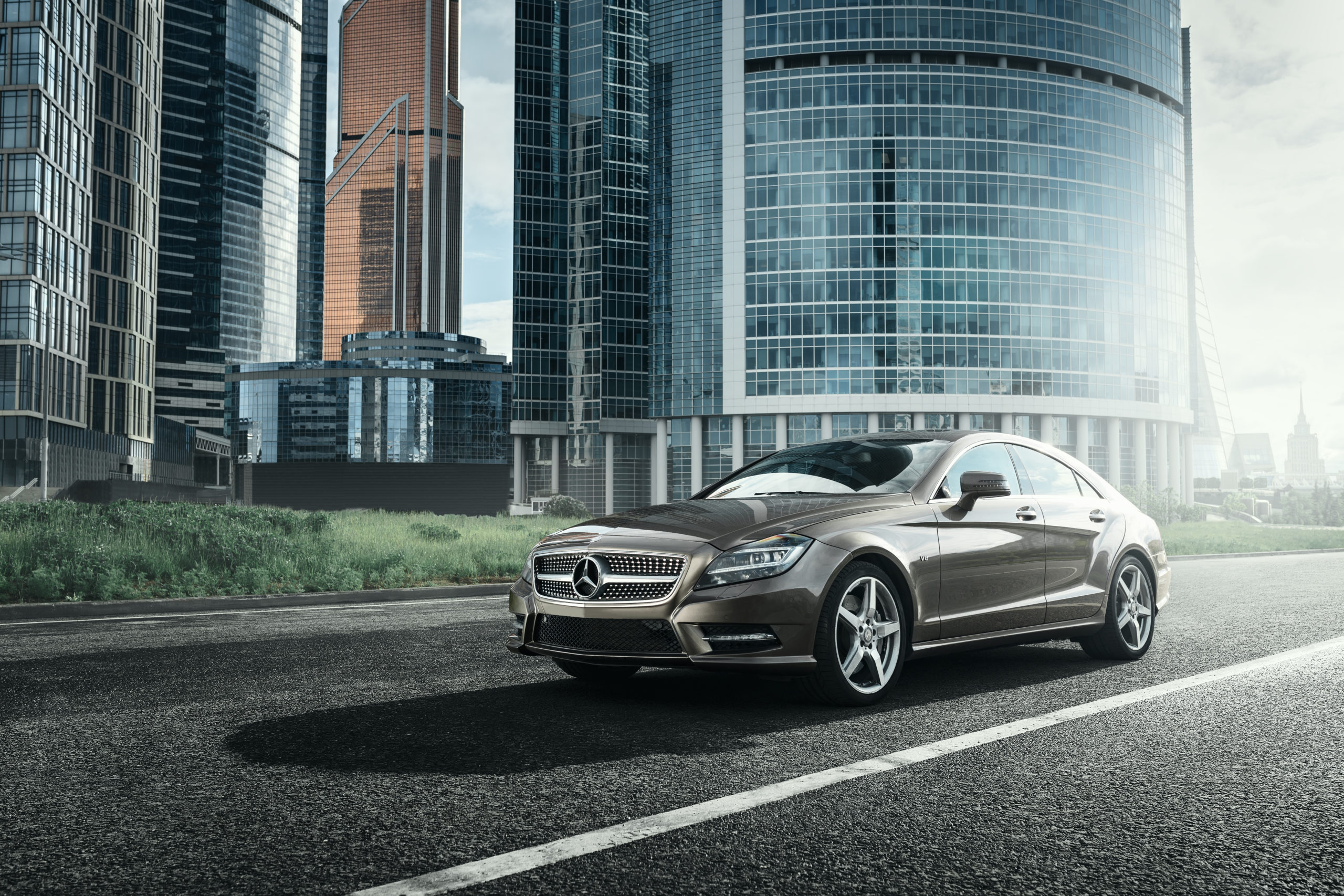grey mercedes benz in the city