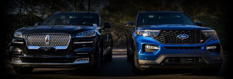 2020 ford explorer and 2020 aviator gt stand side by side